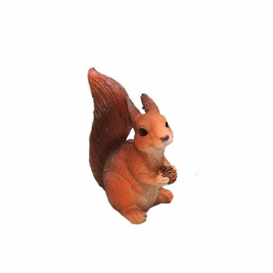 Eekhoorn beeldje met dennenappel 7,5 cm