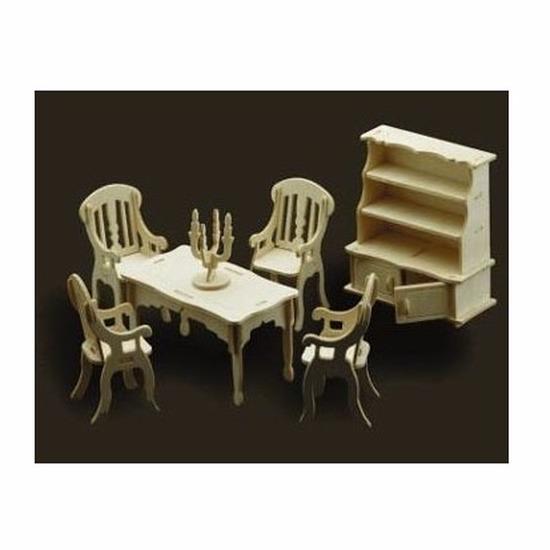 Poppenhuis meubels voor de eetkamer